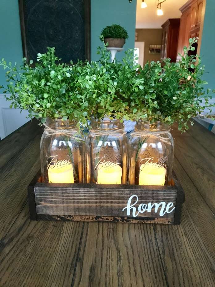 Mason jars centerpiece | Best Farmhouse Indoor Plant Decor Ideas & Designs
