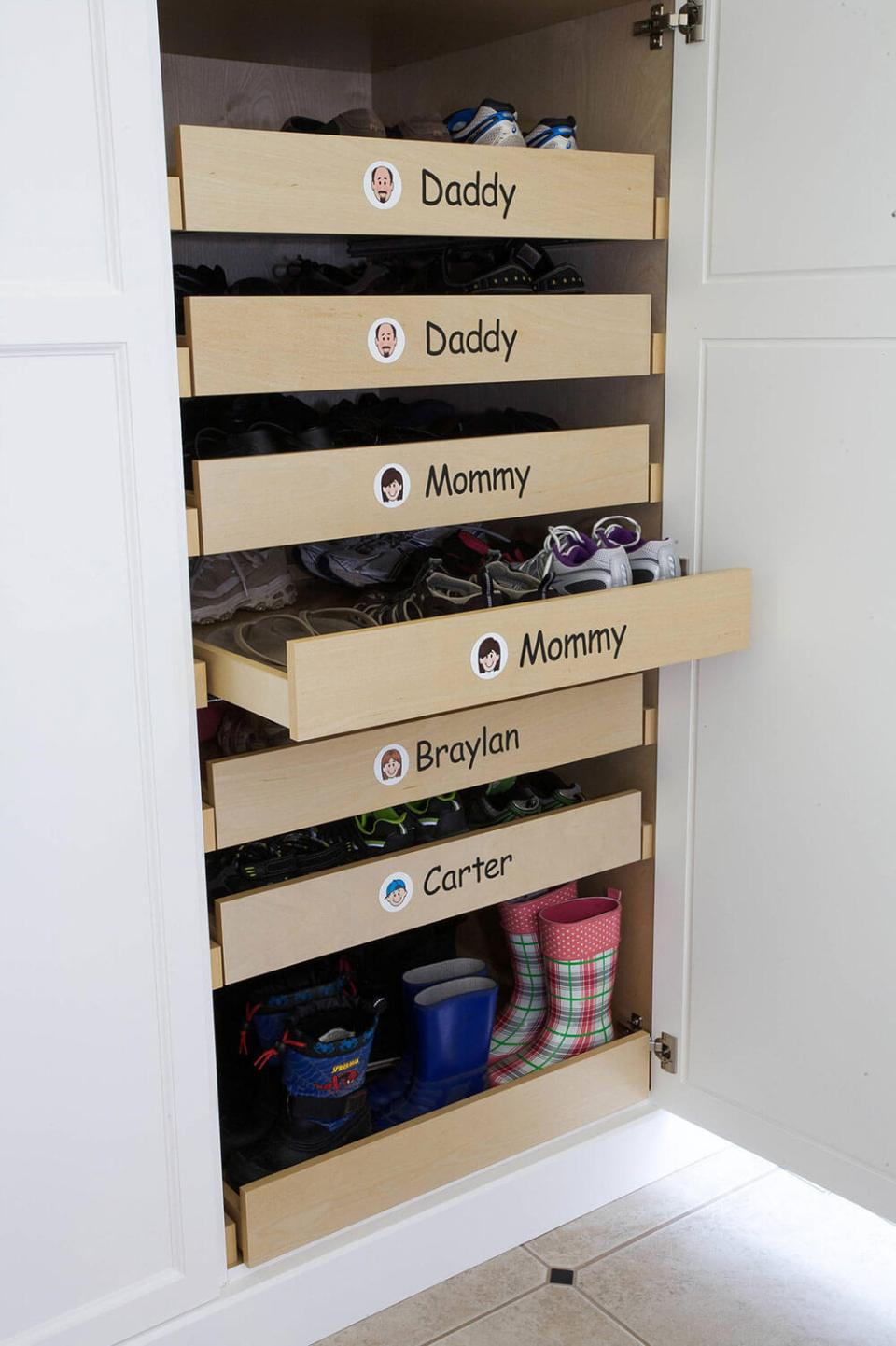 Shoe Racks for family | Smart Shoe Storage Ideas & Designs For Any Zoom Size