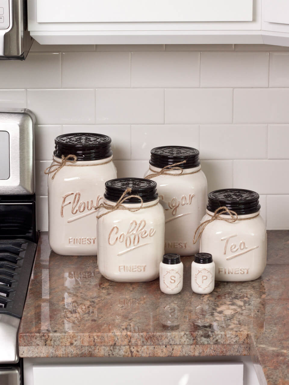 Off White Canister Mason Jars | Inspiring Farmhouse Kitchen Design & Decor Ideas
