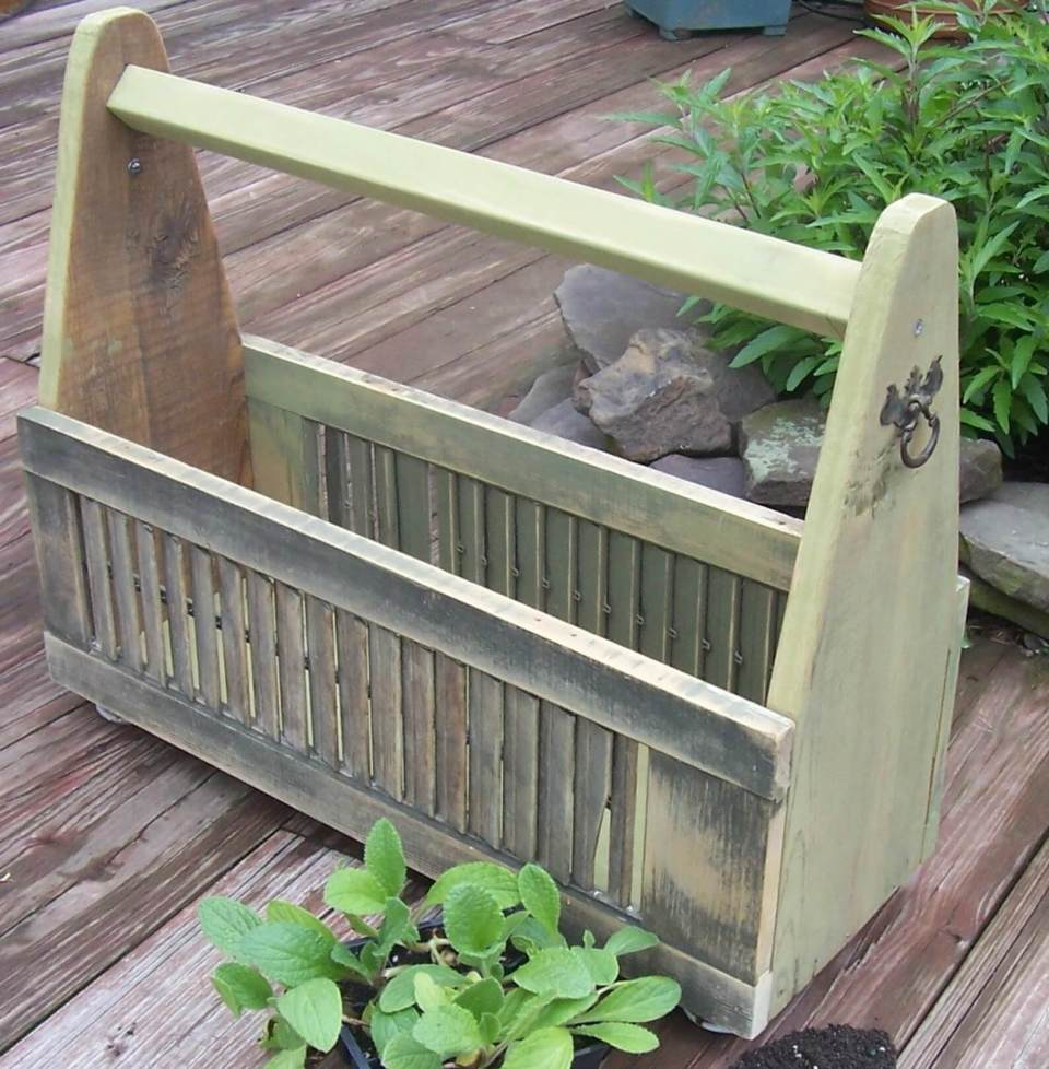 Old Shutter Outdoor Decor Ideas Garden planter box