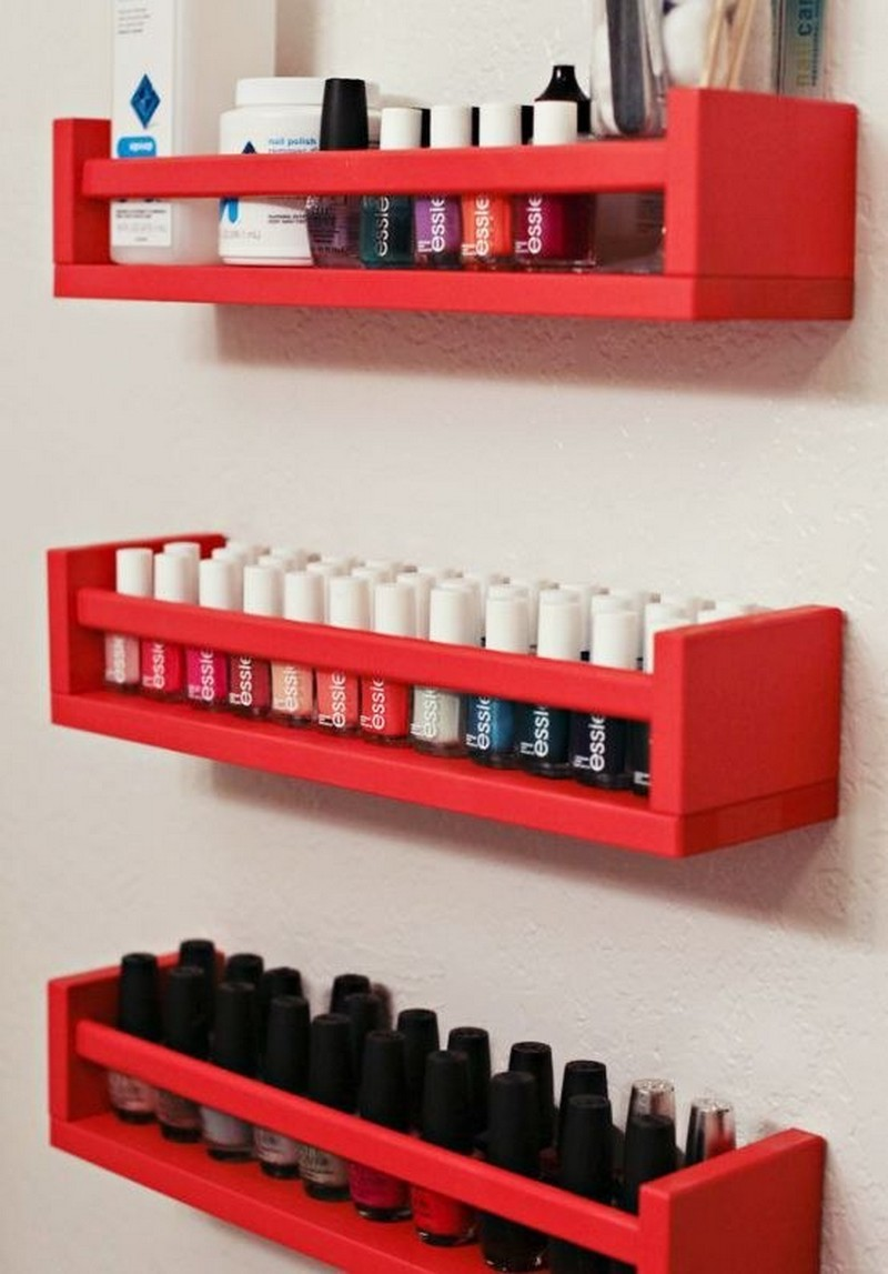 The shelf where you can organize the enamels