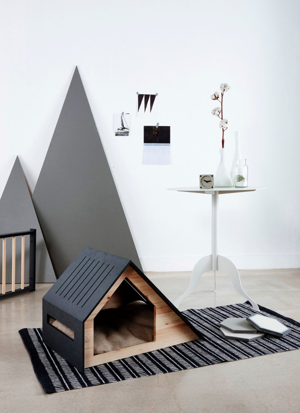Black and elegant house for dogs or cats