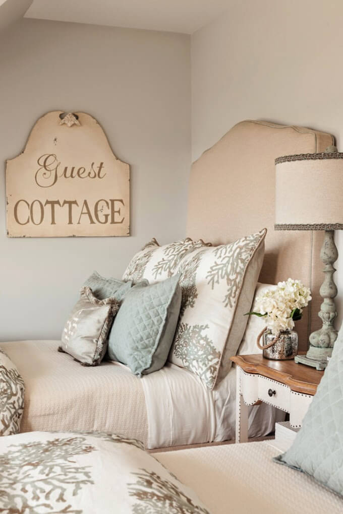 20+ Best French-Style Bedroom Decor Ideas & Designs For 2019
