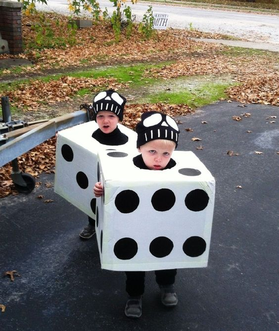 22+ Inexpensive Costumes For Kids And Adults That Can Be
