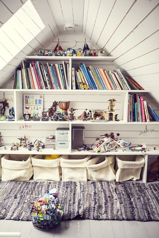 A beautiful Wall Library to support your kid's study space.