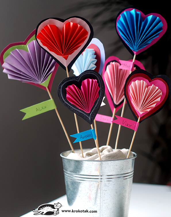 Folded paper heart | Heart-Shaped Crafts For Valentine's Day