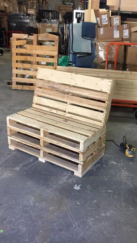 The mighty pallet bench