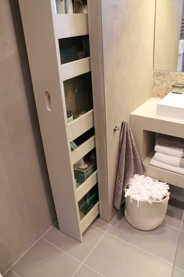 Large pull-out storage