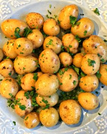 Buttered Potatoes with Parsley (Premium)