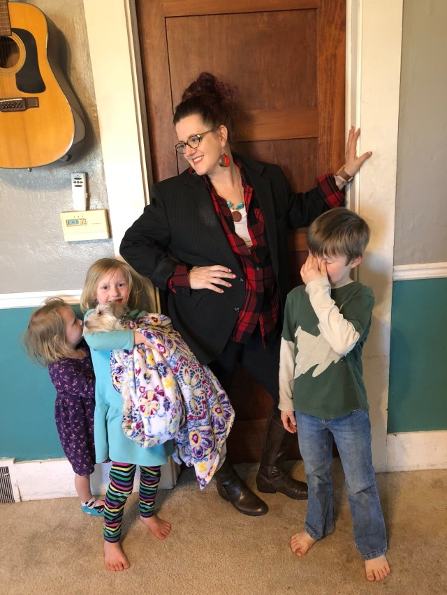 Stay at home mom style fashion cheap frugal easy outfits leggings