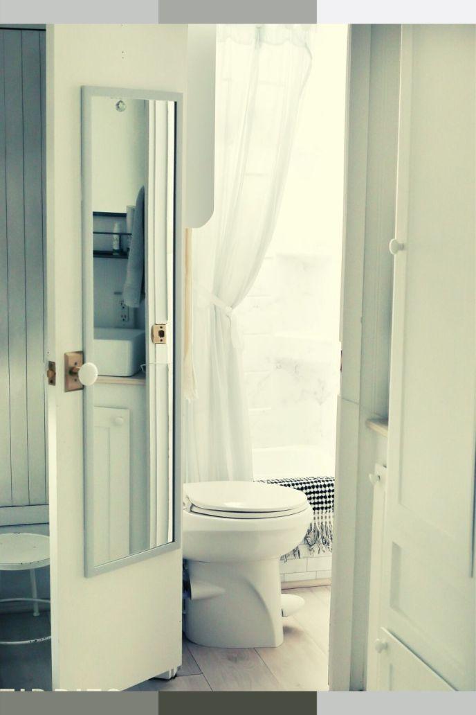 small RV bathroom door ideas