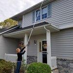 Ezy-Flo-Deluxe-High-Reach-GutterWindowPatio-Cleaning-Kit-0-1