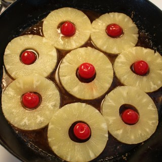 Vintage Betty Recipe:  Pineapple Upside-Down Cake