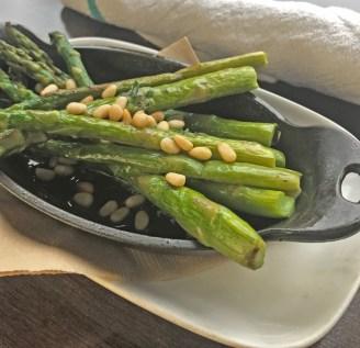 Spring-asparagus-w-pinenuts
