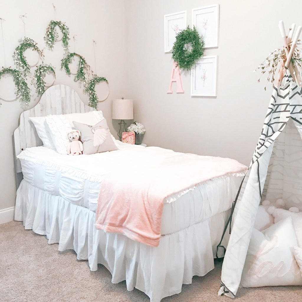 Farmhouseish - Girl's Room Hoop Wreaths