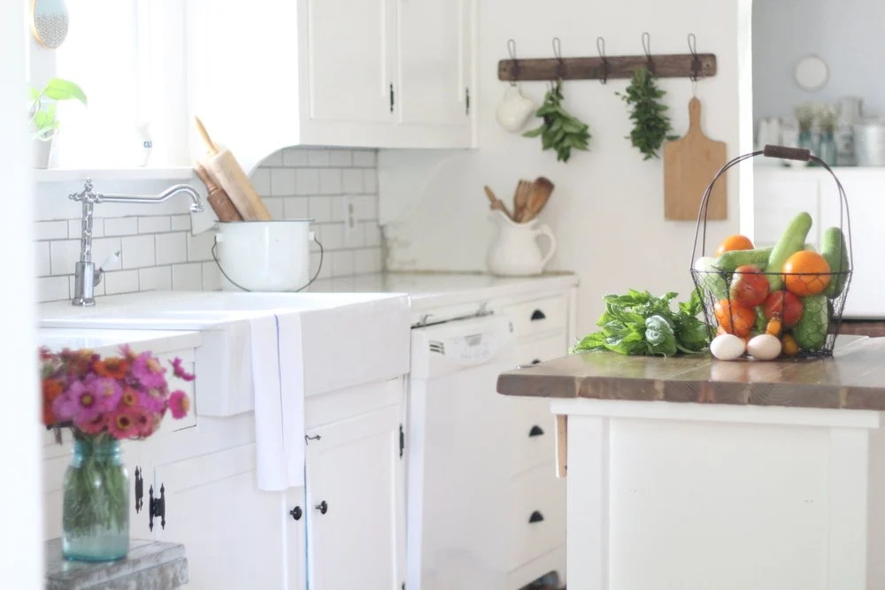 A review of our ikea quartz countertops farmhouse on boone for Ikea countertops review