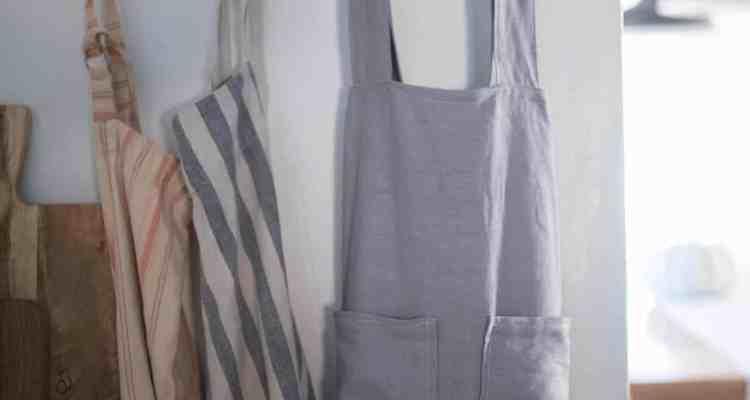 DIY Pinafore Apron for Girls Free Pattern