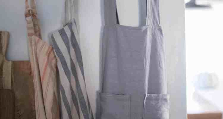 DIY Pinafore Apron for Girls Free Pattern
