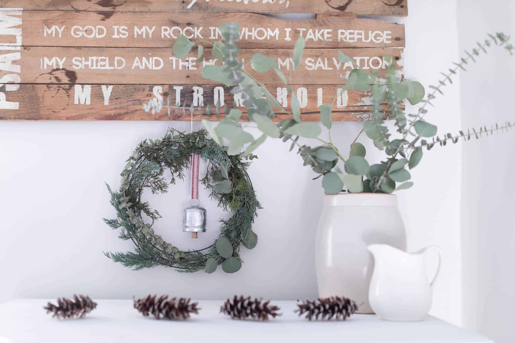 DIY Wreath Christmas- How to Make a Fresh Christmas Wreath