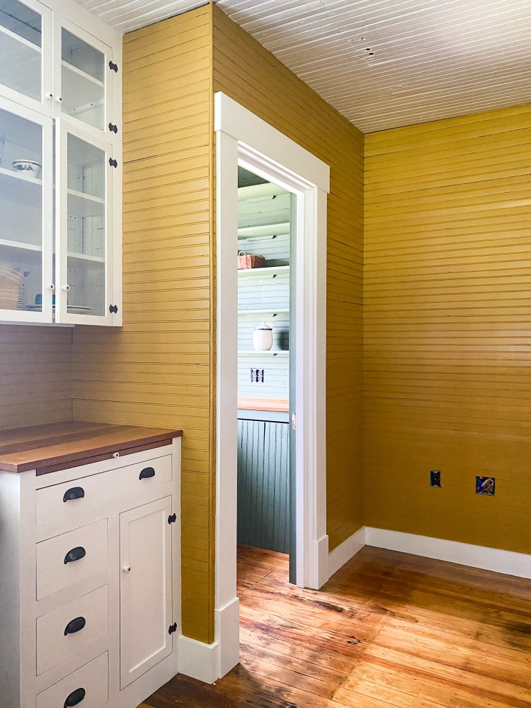 beadboard kitchen walls