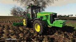 cover_john-deere-8400-serie-mit-sic-und-weiteren-anpassungen-v10_XR39kAc13LbQnf_FarmingSimulator.NET