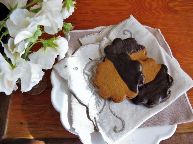 Lemon Marmalade-Filled Ginger Thins Dipped in Chocolate