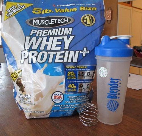 Protein powder with blender bottle