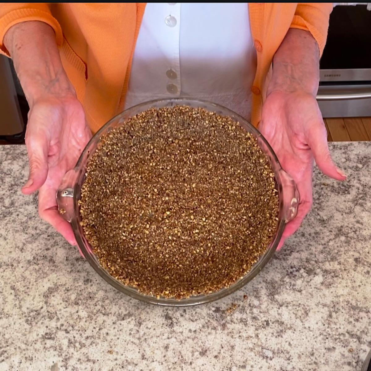 Baked nut crust for low carb pies