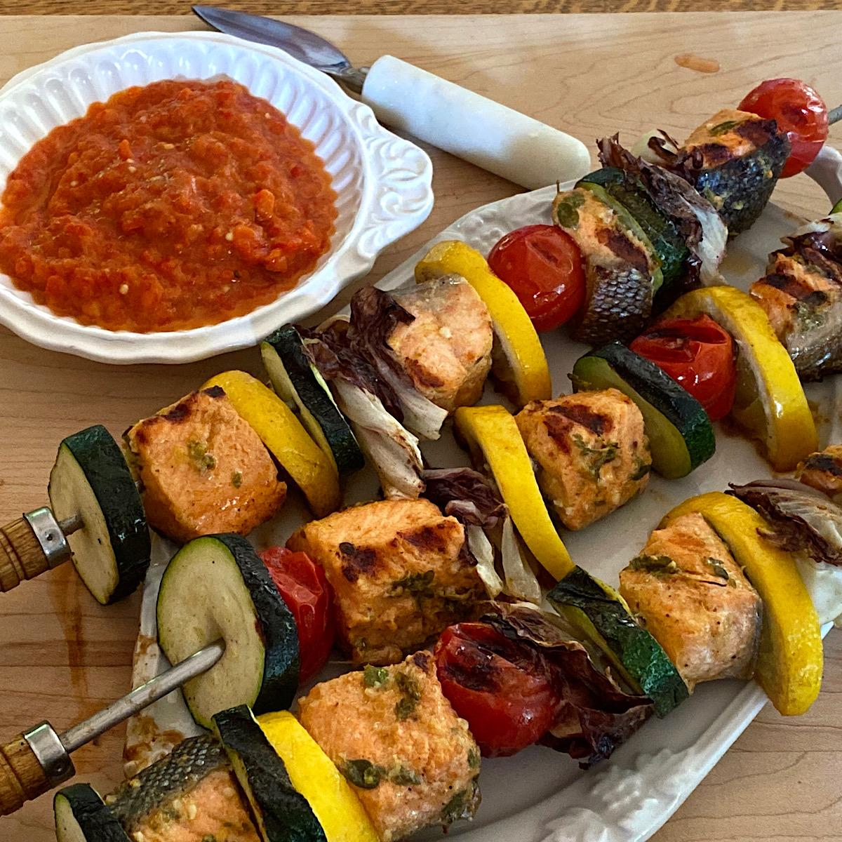Low carb salmon and vegetable kebabs with ajvar dipping sauce