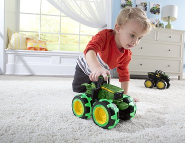Lightening wheels john deere toy tractor