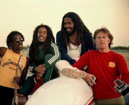 Junior Marvin, Bob Marley, Jacob Miller e Chris Blackwell - Foto: Reprodução site oficial
