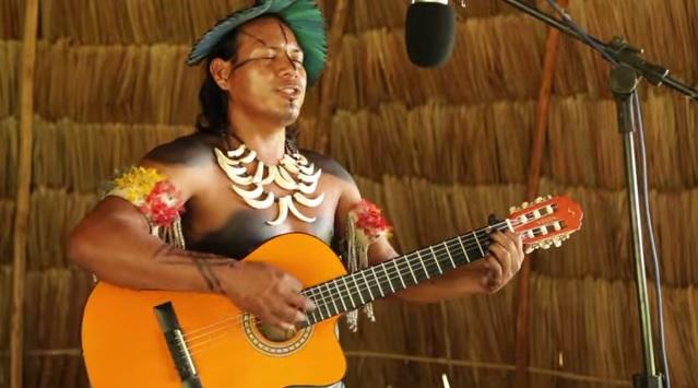 Ademilson Umutina, de Mato Grosso, homenageia o seu povo - Reprodução YouTube
