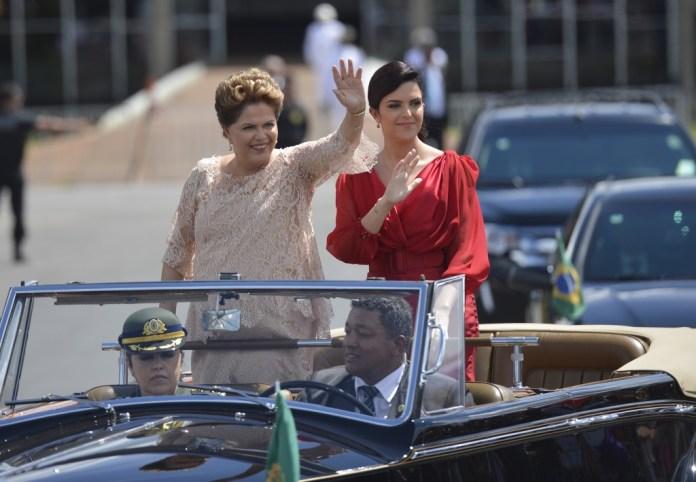 Dilma Vana Rousseff toma posse outra vez em janeiro de 2015, outra vez ao lado da filha Paula