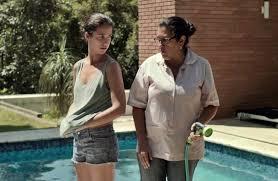 """Jéssica e Val, no filme """"Que Horas Ela Volta?"""", de Anna Muylaert"""
