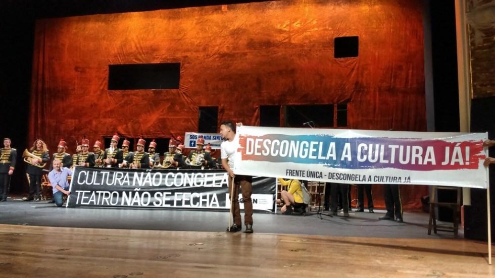 Artistas subiram ao palco do Teatro Municipal na abertura da 4ª MITsp - Fotos: Eduardo Nunomura