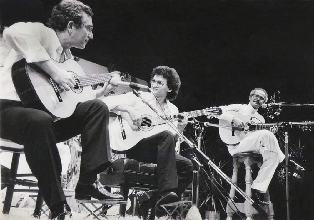 Turíbio Santos, João Pedro Borges e Baden Powell na Martinica, em 1986. Autor desconhecido