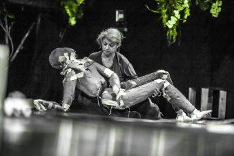 """""""Matéria Escura"""", do grupo Cena 11, na 12ª Bienal Sesc de Dança"""