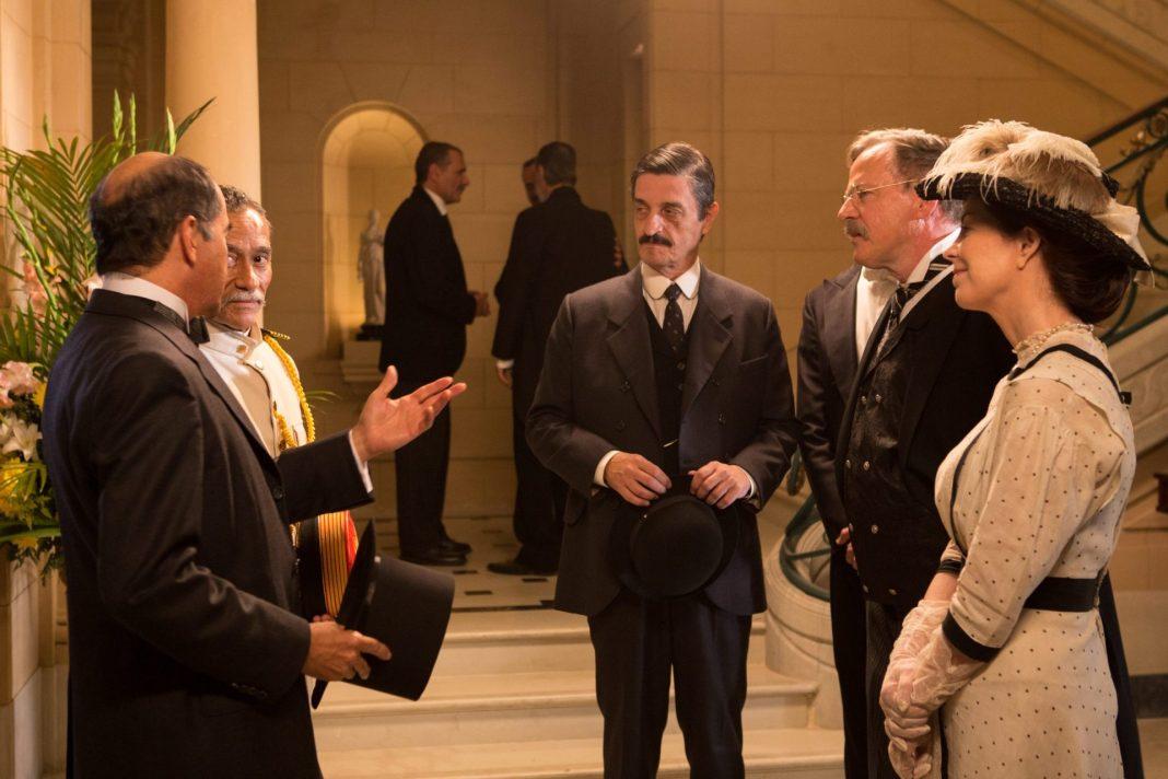 """Theodore Roosevelt encontra o então Coronel Rondon, em cena de """"O Hóspede Americano"""""""