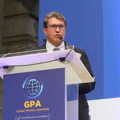 El senador Ricardo Monreal Ávila se lanza contra las redes sociales a quiénes acusó de frenarle una iniciativa en protección de datos.