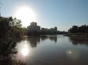 Rio Itajaí-Açu em Blumenau - foto de Jaime Batista