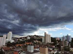 Previsão de chuva em Blumenau - foto de Jaime Batista