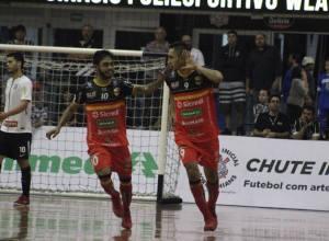 Blumenau Futsal em jogo contra o Corinthians