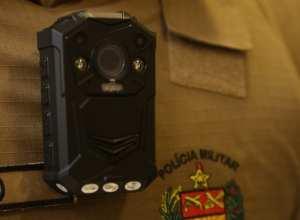 Os policiais contarão com câmeras fixadas nos uniformes, o que vai aumentar a transparência das ações (Jeferson Baldo/Secom)