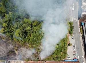 Incêndio em mata no Centro é controlado pelos bombeiros (CBM)