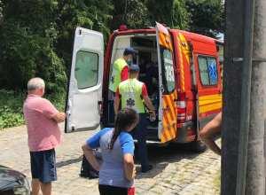 Ambulância também participou do atendimento - foto do CBMSC