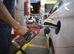 Abastecimento de combustível - foto de Marcello Casal jr/Agência Brasil