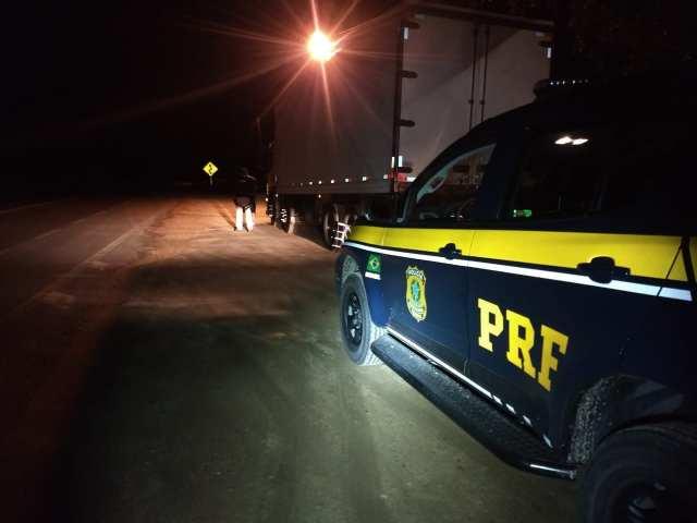 PRF aborda caminhoneiro que dirigia embriagado na BR-470 em Apiúna - foto da PRF