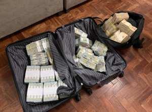 Malas com dinheiro foram encontradas pela Polícia Federal na operação - foto da PF