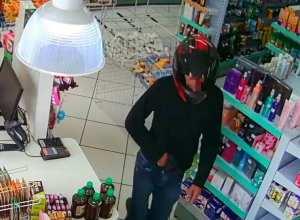 Câmeras flagraram a ação criminosa em farmácia do bairro Fortaleza