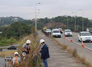 Investimento do município na reposição dos postes e de luminárias no trevo da Mafisa - foto de Marcelo Martins
